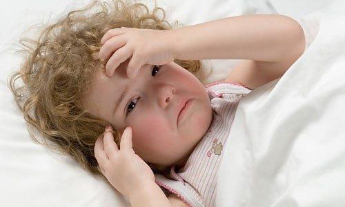 Trẻ quấy khóc bất thường có khả năng cảnh báo đang gặp bất ổn về sức khỏe